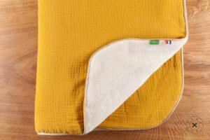 Couverture-Enfant-jaune-moutarde
